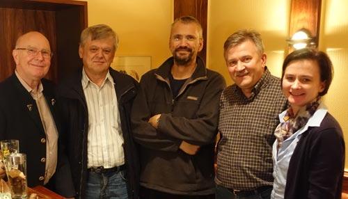 Jochen Keyser (Gesellschafter / Geschäftsführer), die Jubilare Uwe Schmidt, Rüdiger Erdmann und Heinrich Mazur sowie Astrid Keyser (Gesellschafterin / Geschäftsführerin)
